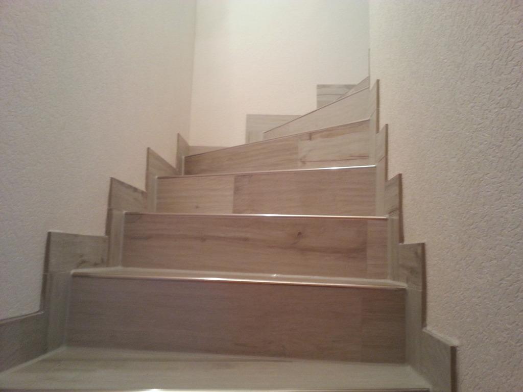 cn fliesen wohnbereiche. Black Bedroom Furniture Sets. Home Design Ideas